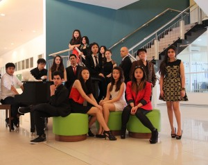 The Grade 10 class picture- wanting to emulate the Kardashians