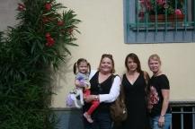 The ladies in La Cite